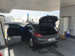 VW Scirocco in der Waschstraße